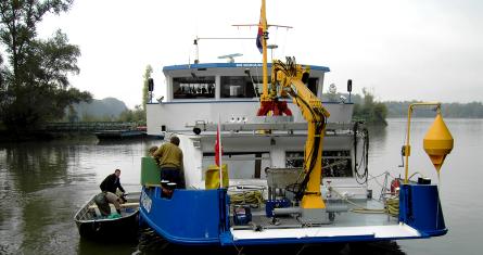 Mess- und Untersuchungsschiff